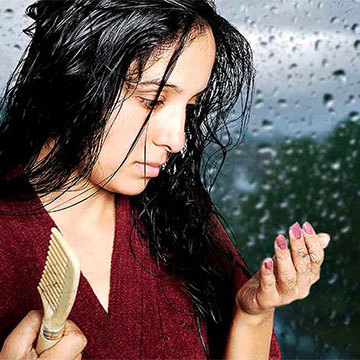 5 Ways You Can Protect your Hair During Monsoons!