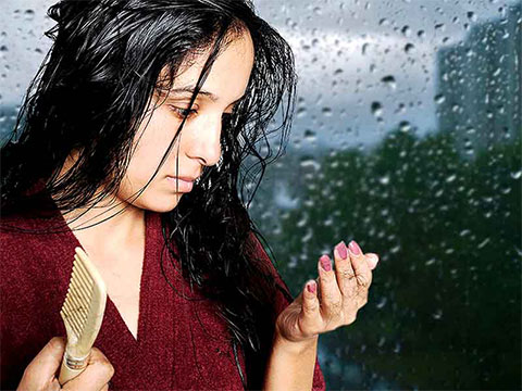 Protect your Hair During Monsoons