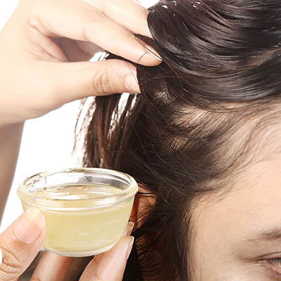 WHAT CAUSES HAIR BREAKAGE DURING MONSOONS? THINGS THAT CAN OVERCOME IT!