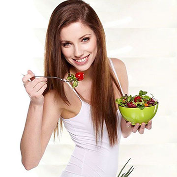 How Your Local & Seasonal Foods Can Revamp Your Tresses