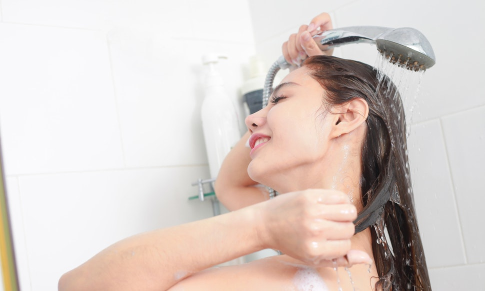 Is your Tap Water Harming Your Hair Here's what you should do